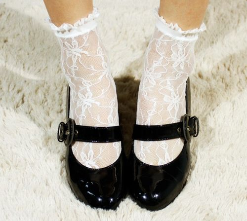 60e385052b Aliexpress.com : Buy 2015 Hot Women Sexy Floral Lace Ruffle Frilly Ankle  Socks Anklet Trim Embroider Black White H9 from Reliable frilly ankle socks  ...