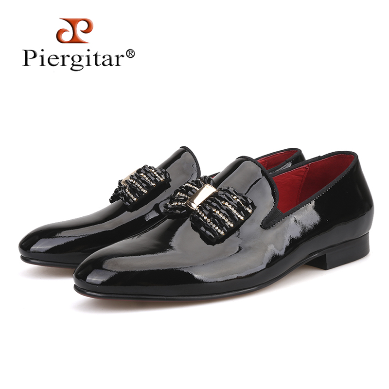 Piergitar 2018 new black patent leather men handmade loafers with black rhineston bowtie Fashion party and prom men dress shoes