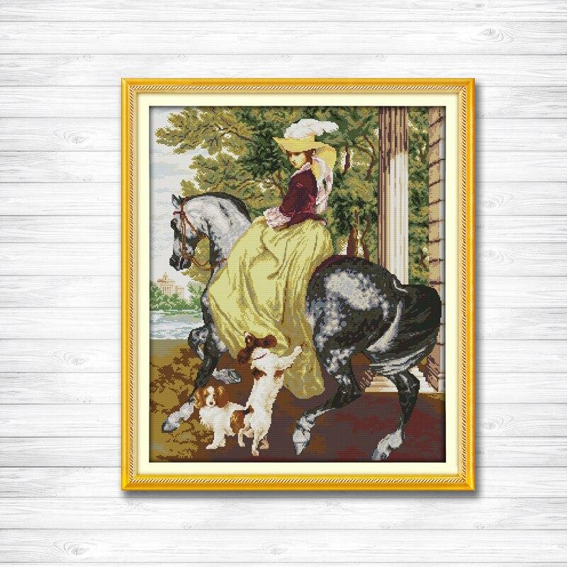 Вышивка лошади с собакой
