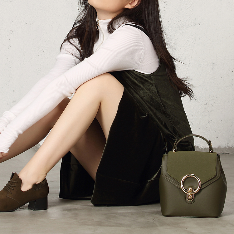 Classic Fashion Personality Shoulder Bag Small Refreshing Mini Schoolbag Lady Metal Big Buckle Backpack Women Bolso femenino