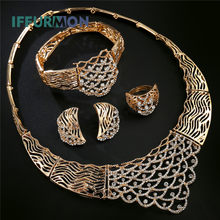 a41c666f3665 IFFURMON De Mariée Ensembles de Bijoux Pour Femmes Collier Boucles  D oreilles Or Couleur Creux Imitation Cristal Indien Bijoux D..