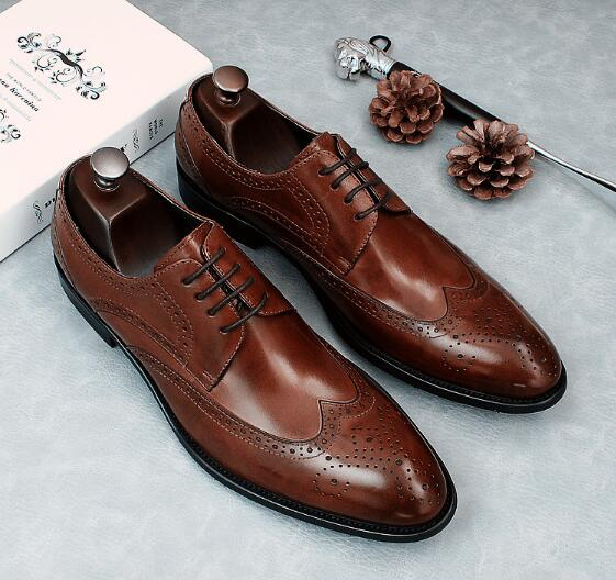 Lace business dress leather Brock style carved pointed British mens leather shoes new groom wedding shoesLace business dress leather Brock style carved pointed British mens leather shoes new groom wedding shoes