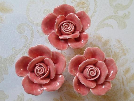 цена на Knobs Rose Flower / Shabby Chic Dresser Knobs / Pink Ceramic Drawer  Pulls Handles / Unique Cabinet Knobs Pull Handle Hardware