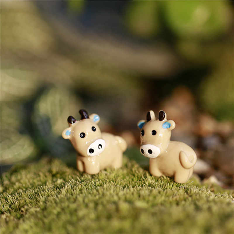 New Arrival 2PC Cow Animals Fairy Garden Miniatures Mini Gnomes Moss Terrariums Resin Crafts Figurines For Garden Decoration