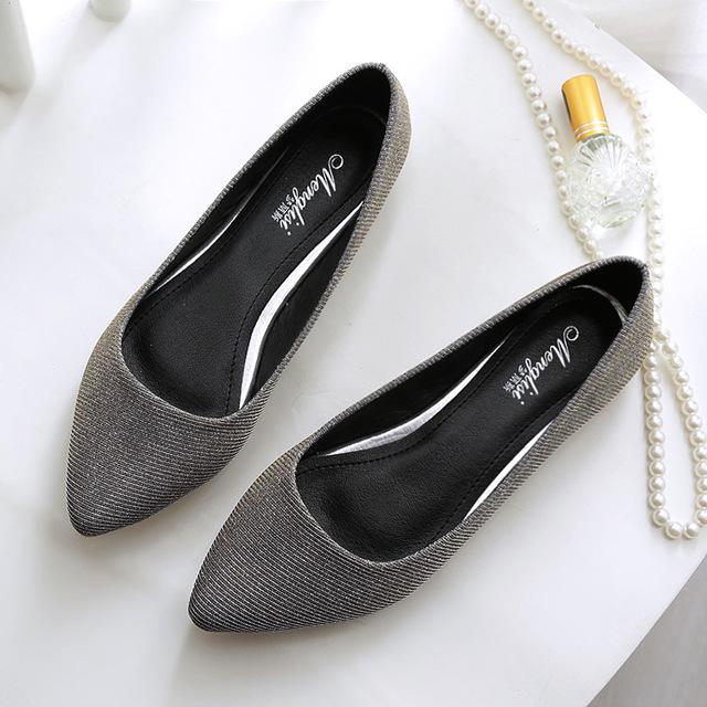 Oro Zapatos Planos de 2017 Nuevas Mujeres del Otoño Zapatos de Un Solo Tamaño Pequeño 33 Large 40-45 Lentejuelas de Oro de Alambre Material de las Mujeres Sandalias