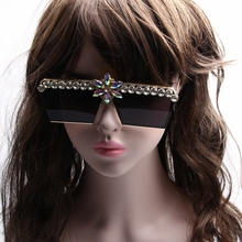 MONIQUE Oversized 2017 Sunglasses Women Brand Designer Decorative Rhinestone Men Sunglasses Driving Sun Glasses Male Female