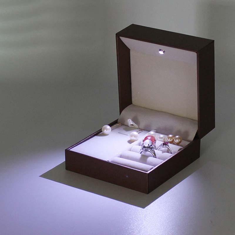 NIBESSER Spotlight Cosmetic Case Hot Women Travel Jewelry Box Professional Lady Jewel Casket Necessaries Make Up Organizer Box