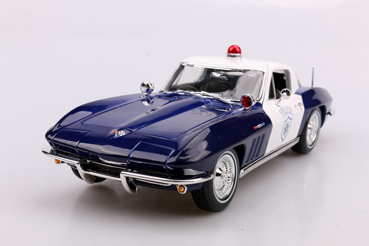 Brand New MAISTO 1/18 Scale Car Model Toys USA 1965 Chevrolet Corvette Police Edition Diecast Metal Car Model Toy For Gift maisto jeep wrangler rubicon fire engine 1 18 scale alloy model metal diecast car toys high quality collection kids toys gift