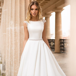 LORIE Satin Wedding Dress Cap Sleeves Lace Appliques Beach Bride Dress Sexy Boho Long Train Wedding Gown Hot Sale 2019