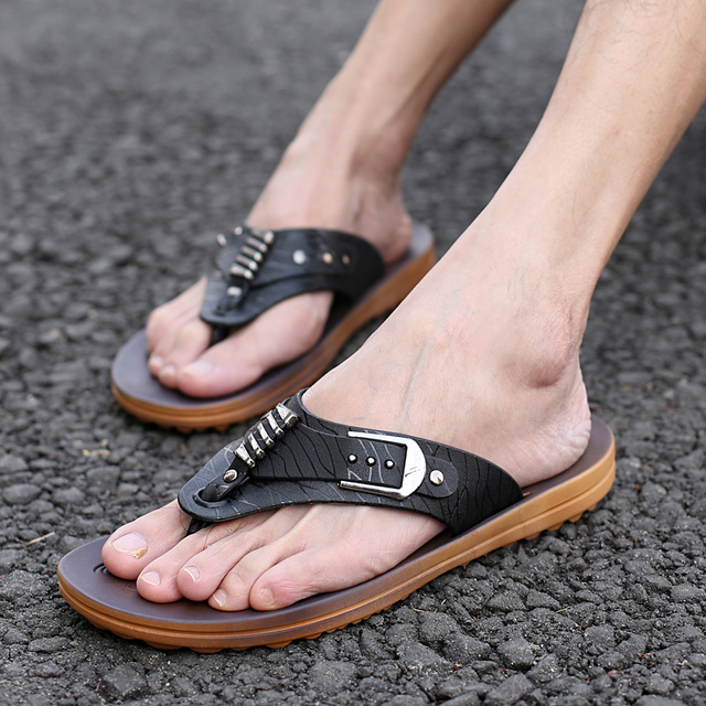HEVXM New Summer Men Flip Flops Fashion British Korean Version Clamps Thick Base Men Anti-Skid Wear Beach Sandals Free Shipping