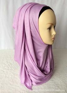 Image 3 - ใหม่ห่วง HIJAB ผู้หญิงธรรมดา Jersey Hijab ทันทีผ้าฝ้ายมุสลิมหัวผ้าพันคอสีทึบ Headwear ครึ่งอ่านสวมใส่ 180x70 ซม.