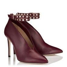 أحذية مع مثير الأحمر