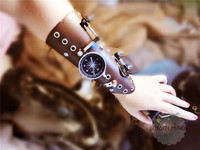 Steampunk PU Leather Bandage Glove Retro Arm Bracelet with Compass Screw Gear Halloween Costumes Punk Style Accessory