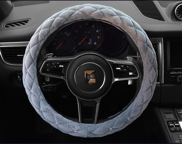 1 Piece Hot Car Styling Autumn Winter Studded Rhinestone plush Car steering wheel car-covers 38cm Diamond Steering Covers Cases
