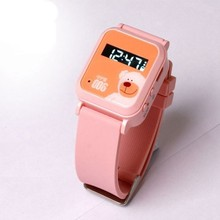 2015 new arrive kids children Old People GPS GSM GPRS tracker watch Kid GPS Watch Phone Smart Watch with SOS function Y26