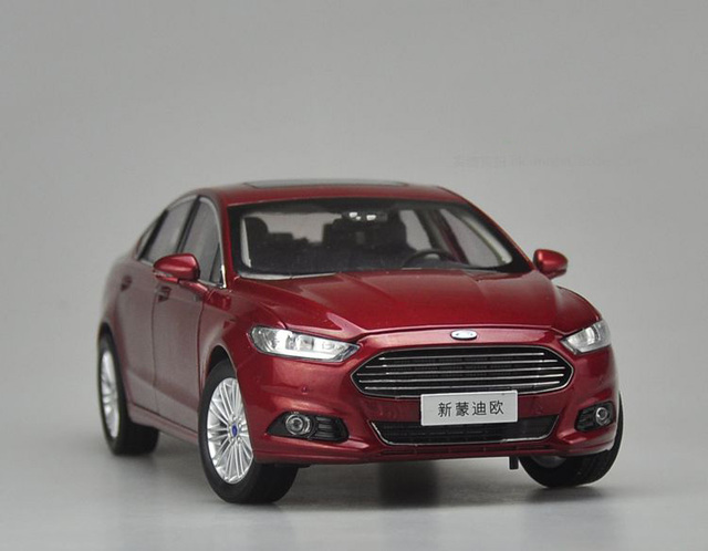 Brand New 2017 1/18 Alloy Ford Mondeo Fusion Red Diecast Model Car Alloy Model Car For Baby Gifts Toys collection