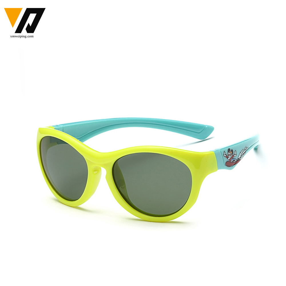 31ade00a0b 2016 New Children TAC Polarized Sunglasses Kids Designer Sport Shades For  Girls Boys Goggle Baby Glasses Oculos-in Movie   TV costumes from Novelty  ...