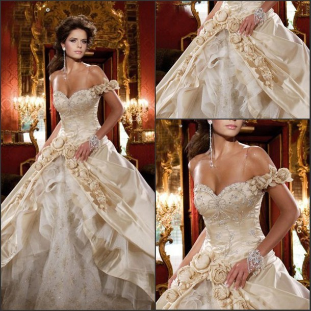 Beautiful Wedding Ball Gowns: Vintage Royal White/Gold Ball Gowns Tired Straps Beautiful