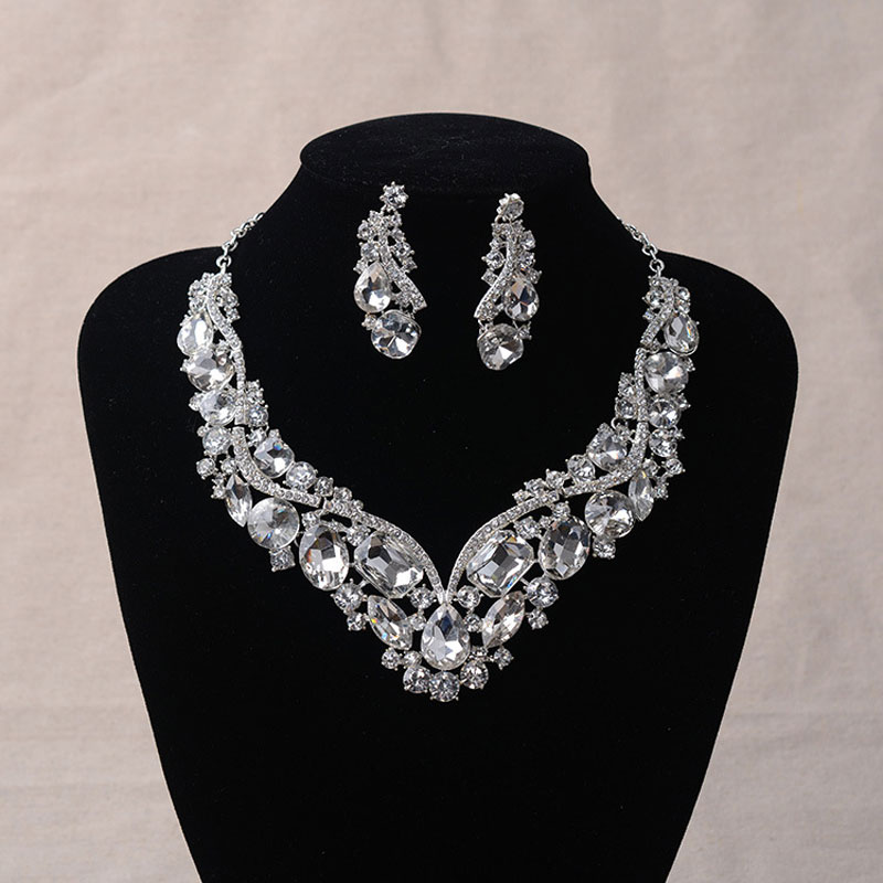 Women 39 S Fashion Korean European Style Wedding Jewelry Earrings Geometric Crystal Necklace Set
