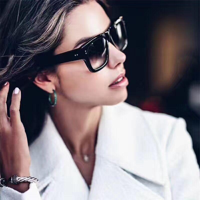 90636395f7e79 2017 Moda óculos de Sol Quadrado Preto Óculos de Sol Das Mulheres Marca De  Luxo Espelho Shades UV400 Shades Oculos luneta femme Rebite 750R em Óculos  de sol ...