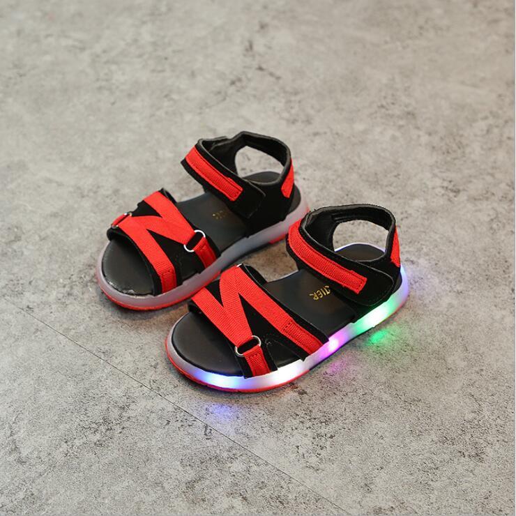 2018 Led Beleuchtete Elegante Kinder Sandalen Solide Hook Schleife Mode Baby Mädchen Jungen Schuhe Weiche Led Glowing Sandalen SchöN In Farbe