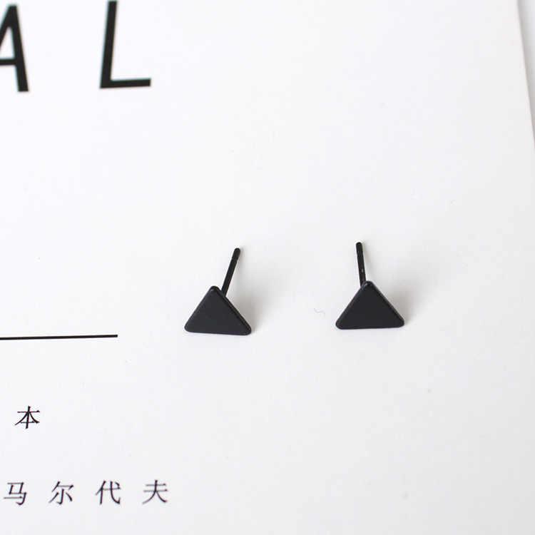 1 คู่สแตนเลสสตีลหู Studs ต่างหูสีดำเงินต่างหูผู้หญิงผู้ชาย EarringsTrangle Ear Studs ชุด