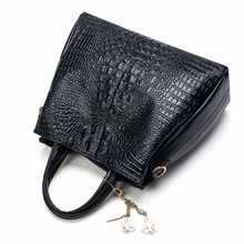 Fashion PU Leather Women Crocodile Pattern Messenger bags Two Set Purse and Handbags Butterfly Tassel Leisure Tote Sac A Main