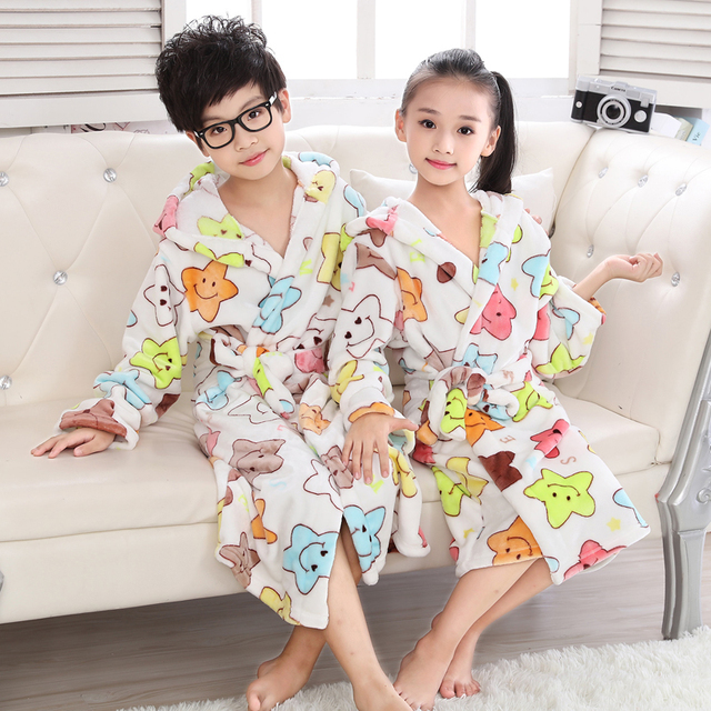 Child Bathrobe Pajamas Kids Boys Thick Flannel Nightwear Colorful Star Robes  for Girls Teenage Hooded Long sleeve Dressing grow f50f6e57b