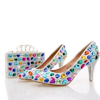 Свадебная обувь ручной работы с разноцветными стразами голубая обувь со стразами для праздников с сумочкой того же дизайна с острым носком