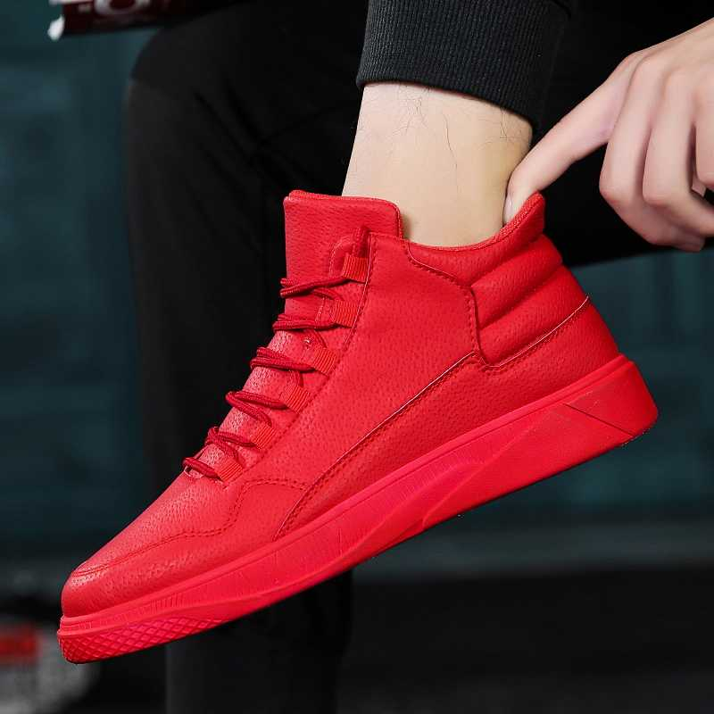 รองเท้าผู้ชายสีแดงรองเท้าเกาหลีรุ่นของแนวโน้มของกีฬาและรองเท้าผ้าใบ Plus กำมะหยี่อบอุ่นรองเท้าผ้าฝ้ายรองเท้า