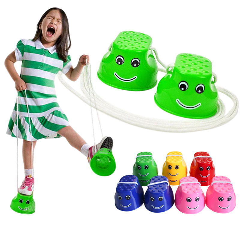 1 Pair Plastic Walk Stilt Jump Toys Outdoor Fun Sports Balance Training Toys Random Color @Z264