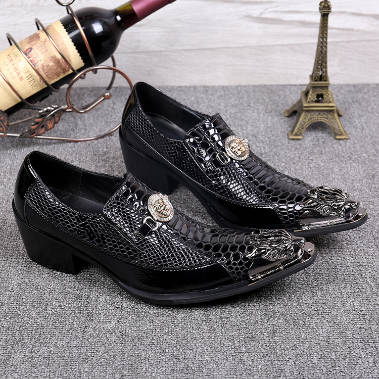 2017 New Spring Casual Formal Shoes Mens Spiked Loafers Patent Leather Mens Pointed Toe Slip-On Dress Shoes Plus Size 38-46