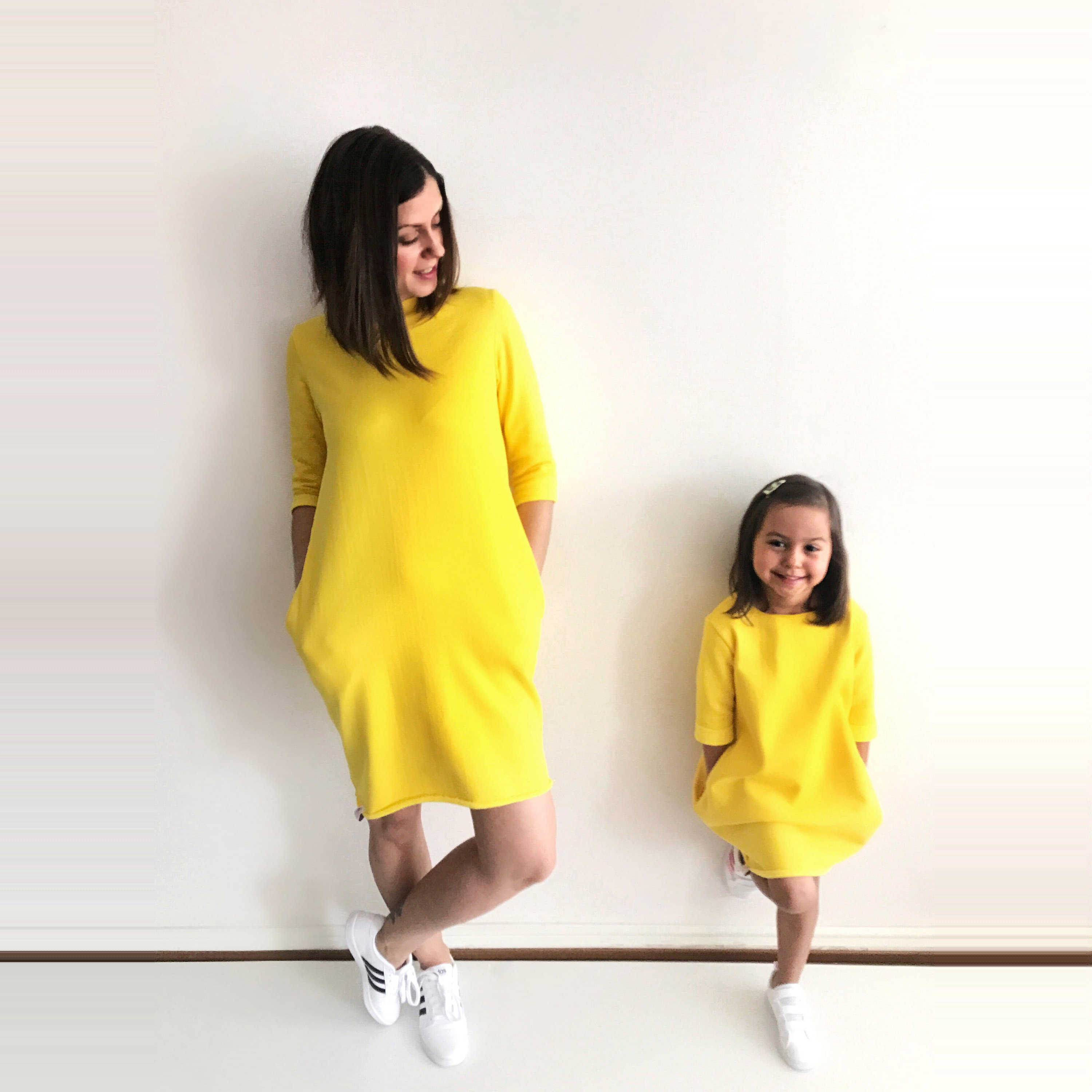 21c58098d3645 Fashion Bright Mother Daughter Dresses Family look Matching clothes ...