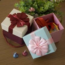 цена 5pcs/lot Wedding Favors Portable Candy Box Paper Gift Boxes For Guests Mr Mrs Love Heart Party Decoration Candy Bar онлайн в 2017 году