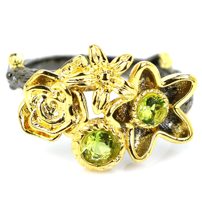 8.0# Sublime Antique Flower Shape Green Peridot Black Gold 925 Silver Ring 19x14mm