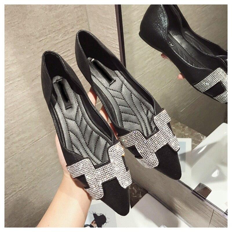 13  SUOJIALUN Vogue Girls Flat Ballet Footwear Bling Crystal Pointed Toe Flats Footwear Elegant Snug Woman Shiny Footwear HTB1LDIGrsyYBuNkSnfoq6AWgVXar