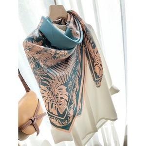 Image 3 - Châle carré en soie 100%, grand Foulard enveloppant de luxe pour femmes, écharpe de luxe, 110cm