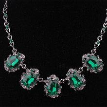 black alloy exaggerated hollow pendant green/blue glass stone vintage women short necklace one piece xy2966