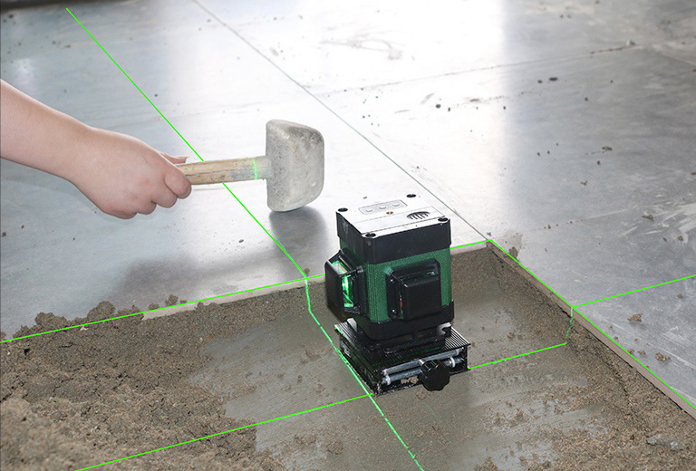 Green Beam Floor Laser Level For Tile Laying Square Leveling