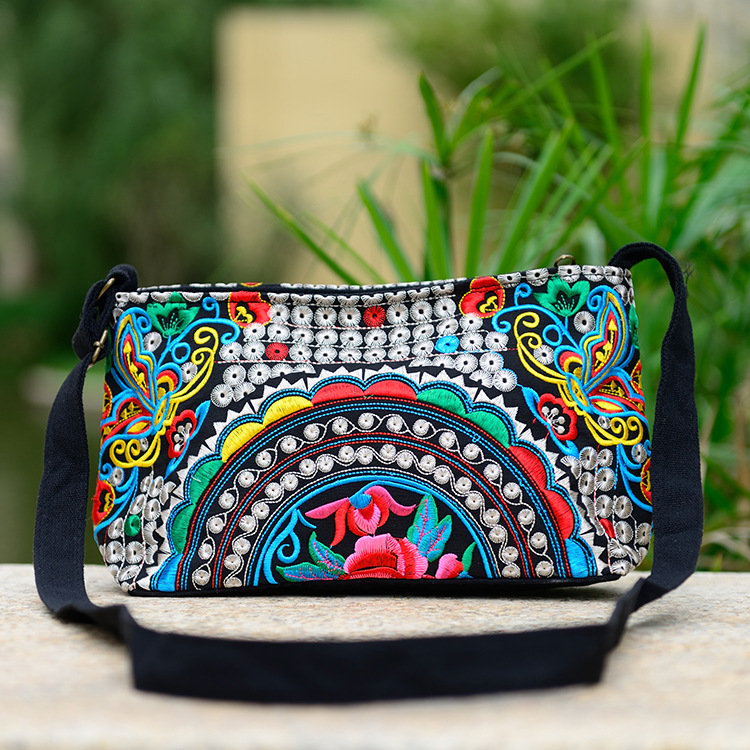Women Handbag National Ethnic Embroidery Bags New Women's One Shoudler Bag Vintage Double Side Embroidered Messenger Small Bags 6