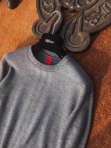Image 4 - Il trasporto libero nuovo Casual inverno O Collo pullover di lana morbida uomini sweather rosso grigio