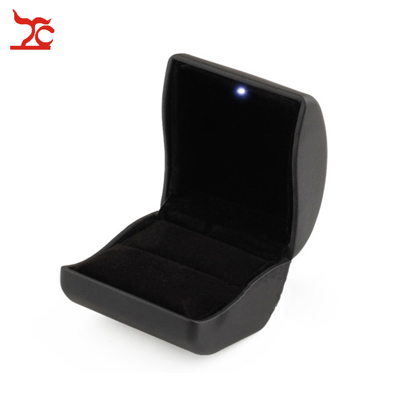 Big Sale 50Pcs Deluxe PU Leather LED Lighted Promotion Engagement Diamond Ring Jewelry Organizer Gift Box Free shipping