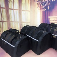 Portable Dog Cat Carrier Colorful Single Shoulder Handbag Easy Carry Pet Bag Breathable Outdoor Carrier for Medium-sized Dog