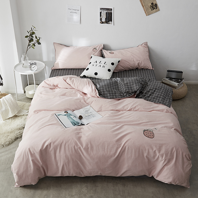 AB side Cotton embroidery cartoon cat rabbit strawberry bedding Sets Duvet Cover Bed Linen 3\4 Pieces Comforter 2018 Bed Set