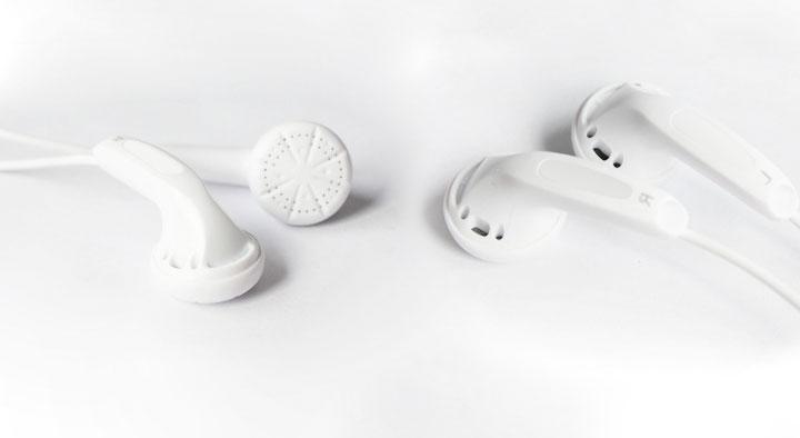 Wired Earphone with Microphone Super Bass Earphones Headset For iphone 6 6s Xiaomi Earbud Dynamic Flat Head Plug HIFI Earphone