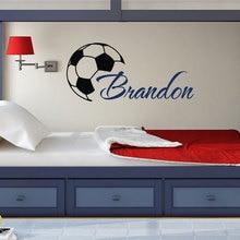 Adhesivos personalizados para pared con nombre de niños y fútbol, pegatinas de pared artística, decoración personalizada para habitación de niños, papel tapiz de vinilo, póster DIY 3YD16