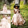 2016 Nova Lindo Jardim Blush Rosa Vestido Da Menina Flor para o Casamento Da Tripulação Pescoço Tieres Saias Crianças da Primeira Comunhão Vestido FD128