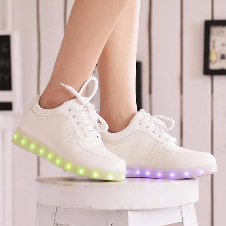 2fe8e43ce0 2017 Nouvelle Coloré rougeoyant chaussures avec des lumières up led  lumineux chaussures nouvelle simulation semelle taille 27 ~ 46 pour adultes  néon casual ...