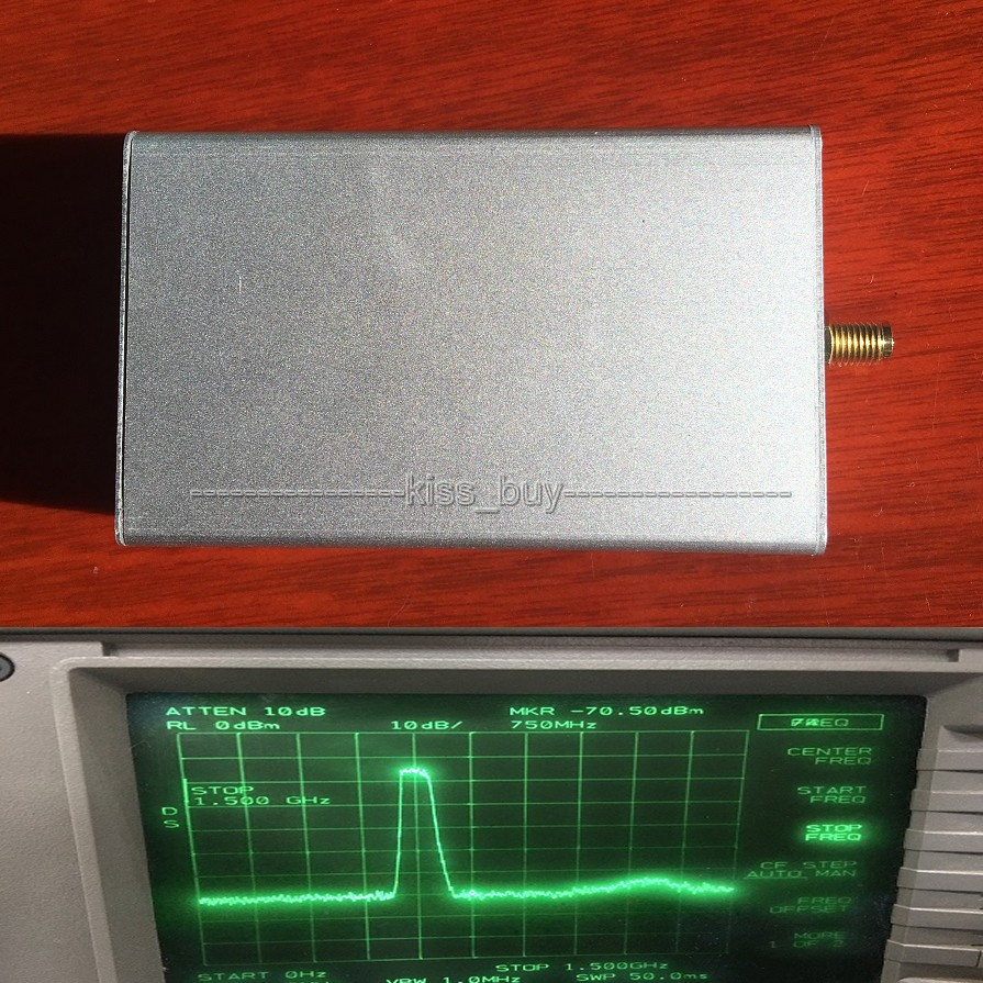 SMA noise source/Simple spectrum external tracking source Analyzer Antenna + shield CASE 12v power supply