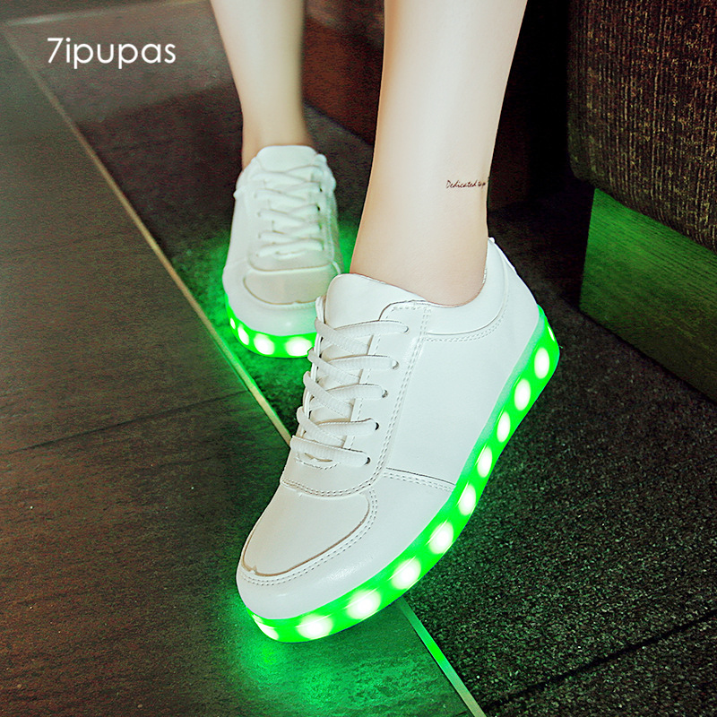 7ipupas Basket coloré lumineux baskets unisexe enfants Chaussures LED Homme Femme Lumineuse Schoenen éclairer Chaussures Chaussures rougeoyantes
